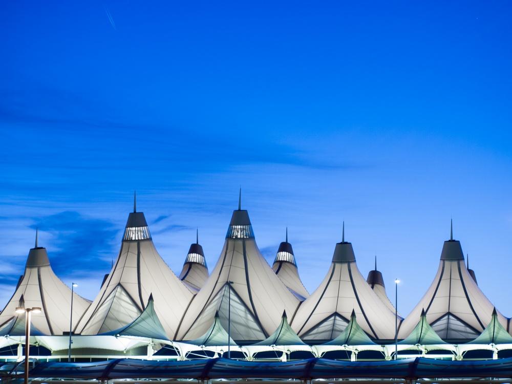 © depositphotos  Аэропорт привлекает нетолько своим видом, ноиходящими вокруг него легендам