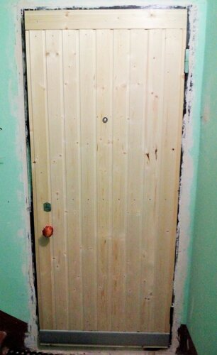 Дверь снаружи.jpg
