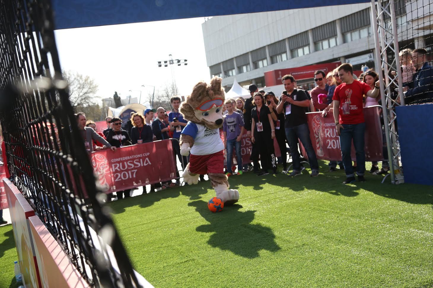 Волонтеры помогли организовать трансляцию финала Кубка РФ пофутболу вЕкатеринбурге