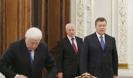 Енин: Янукович похитил примерно 40 млрд долларов