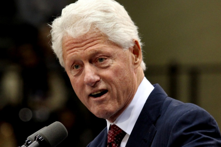 Билл Клинтон пишет книгу-триллер про пропавшего президента