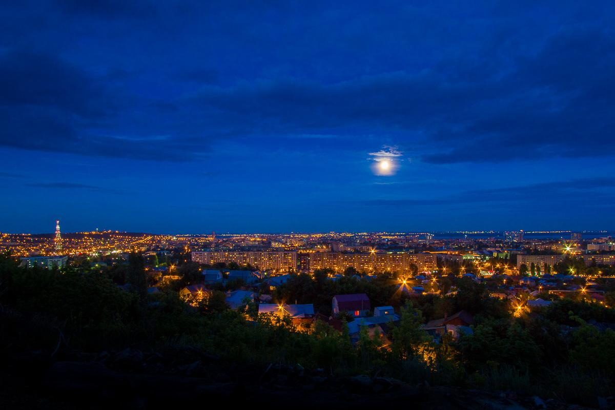 Саратов луна фото 1