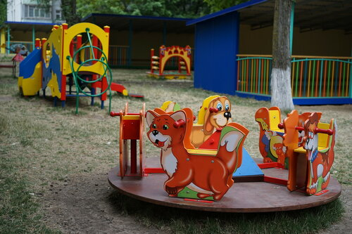 Детская площадка в садике