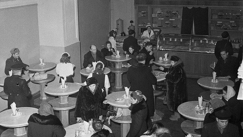 522019 ГУМ. Закусочная 1954 Я. Рюмкин, С. Фридлянд.jpg
