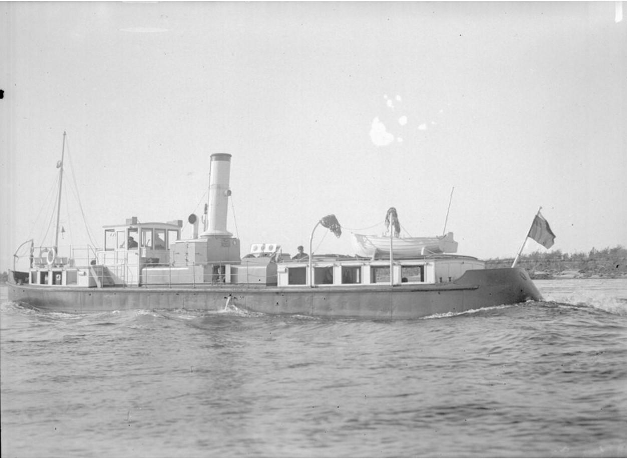 1916. Общий вид парохода-буксира