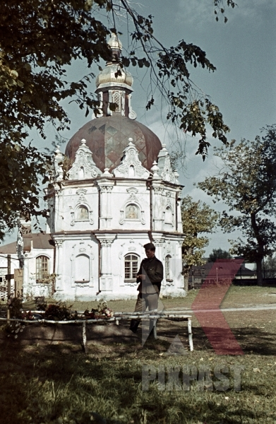 stock-photo-soldiers-grave-saint-anastasia-church-hlukhiv-ukraine-1942-3rd-panzer-division-75th-panzer-artillery-reg-12252.jpg