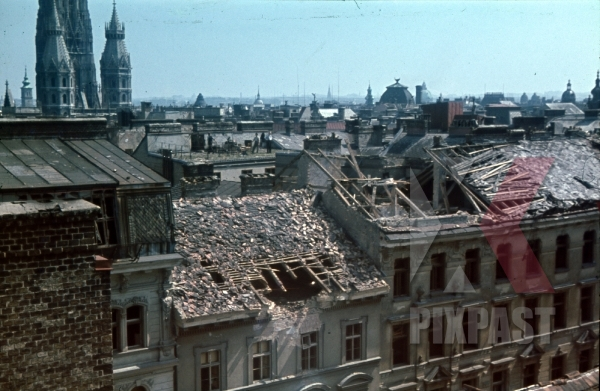 stock-photo-vienna-austria-wien-1945-city-roof-top-destruction-bomb-damage-ruins-st-stephens-cathedral-stephansdom-11123.jpg