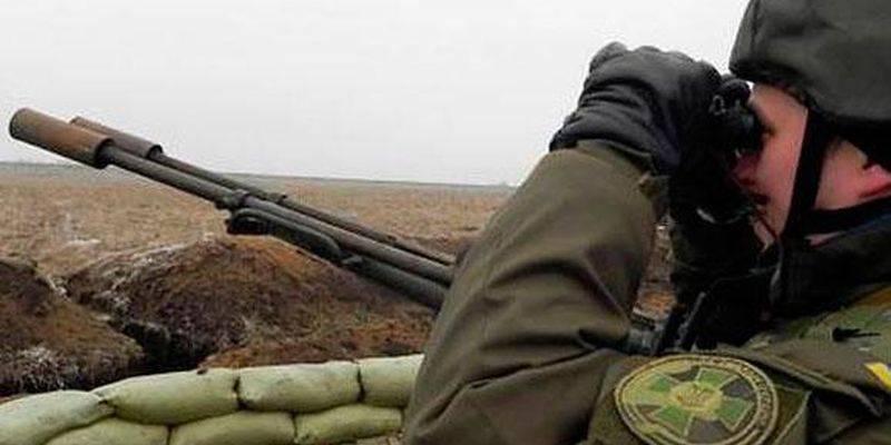 За сутки двое украинских воинов получили ранения в зоне АТО, враг 61 раз открывал огонь, - штаб АТО