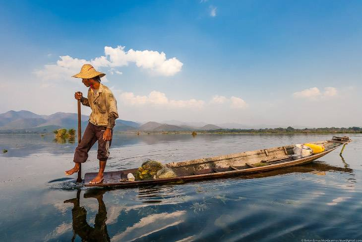 Рыбаки на озере Инле (17 фото)