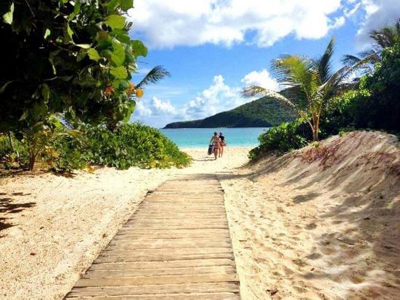 13. Фламенко-Бич, остров Кулебра, Пуэрто-Рико. Лучшее время для посещения: круглый год.