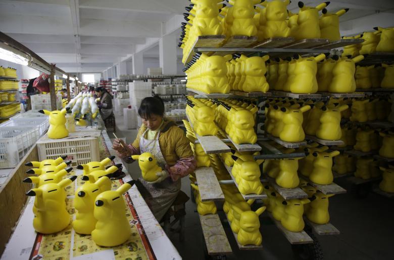 Фабрика по производству рождественских декораций в Иу в провинции Чжэцзян.