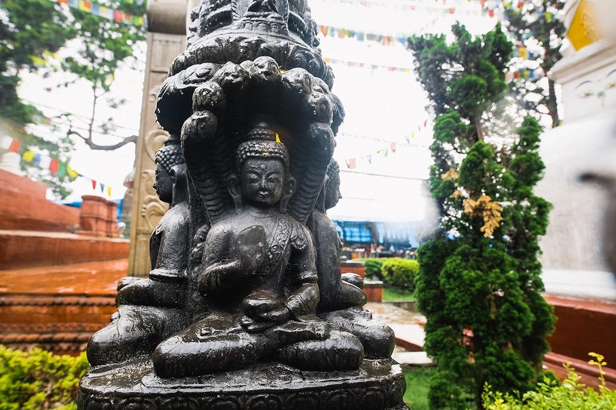 11. Статуя Будды, смотрящего по четырем сторонам света.