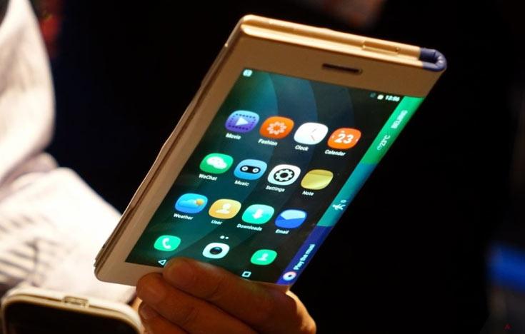 Складные мобильные устройства начнут завоевывать рынок в 2018г