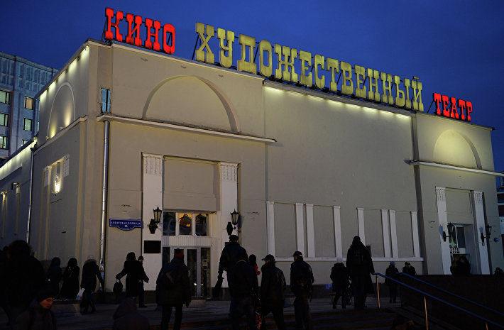 Александр Мамут ведет переговоры о закупке сети кинотеатров «Синема парк»
