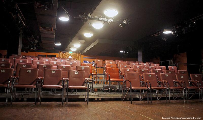16. Земляной Вал. Атриум. Театр Кураж. 06.04.17.07..jpg