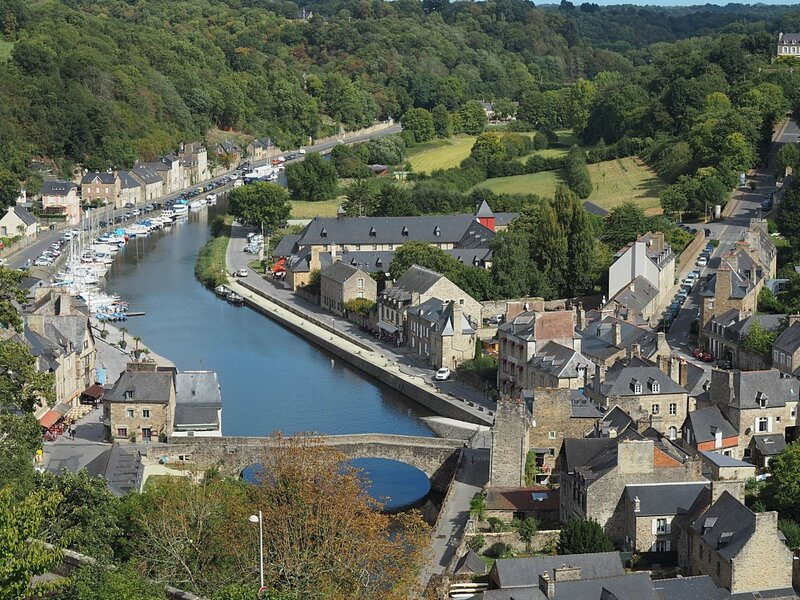 Франция, Динан - вид с крепостной стены (France, Dinan - view from the fortress wall)