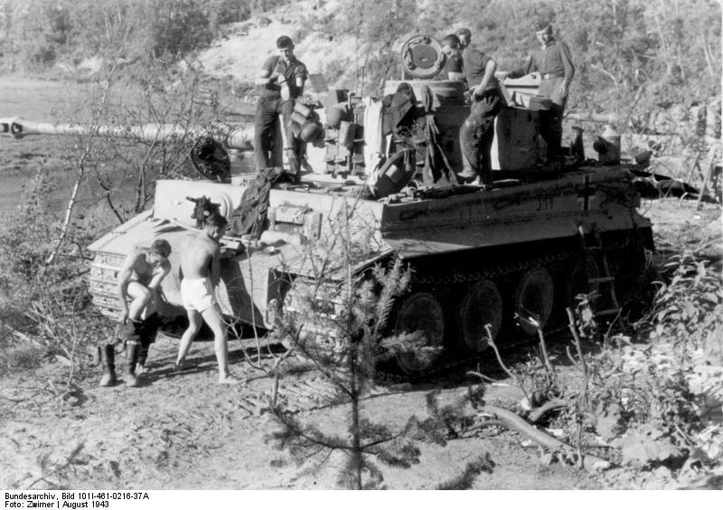 Russland, Panzer VI (Tiger I) in Ruhestellung