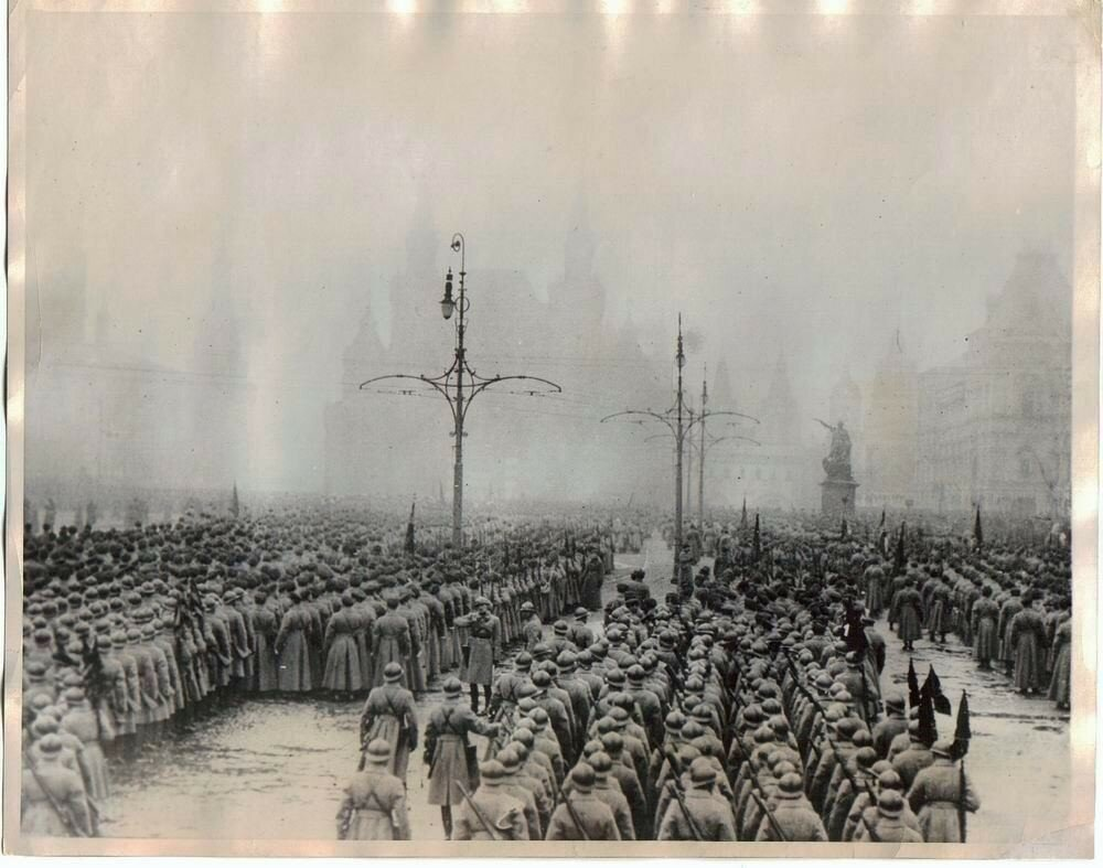 48159 Военный парад 1927 года на Красной площади 1927.jpg