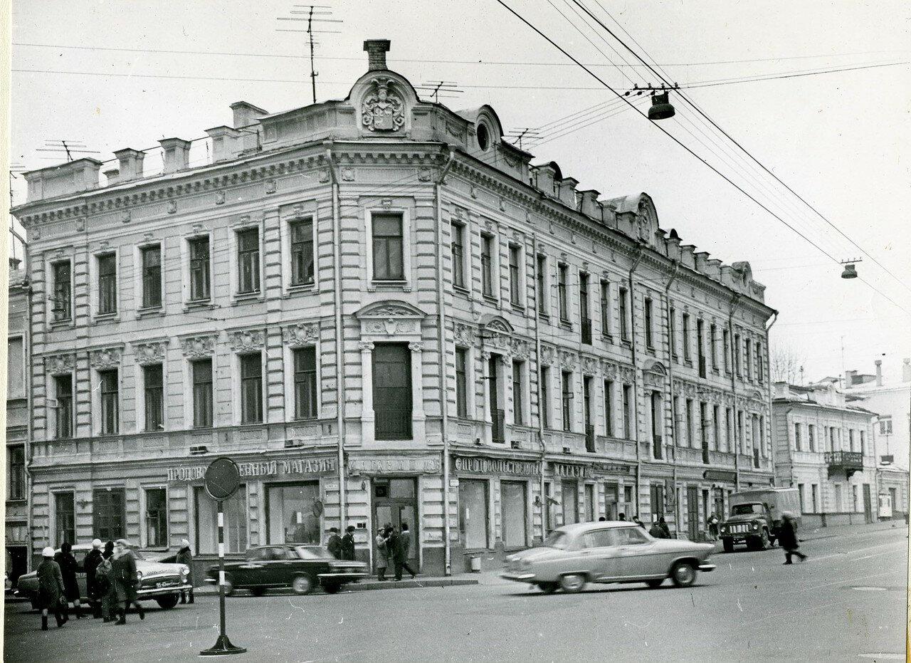 290763 Улица Волхонка нач. 70-х.jpg