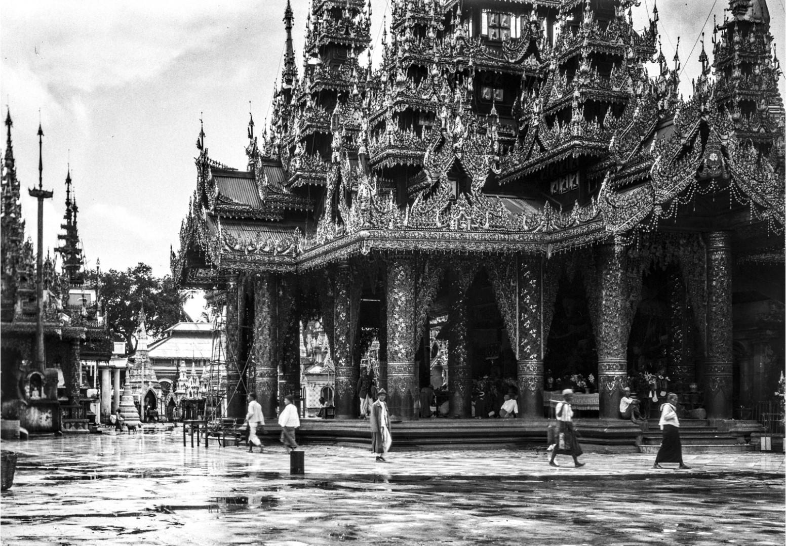 838. Рангун. Пагода Шведагон. Северный храм