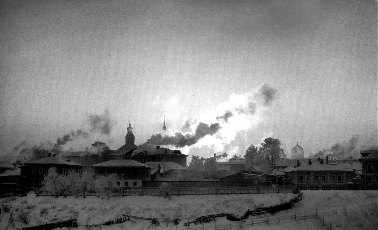Вид улицы Горбачева с северной стороны оврага