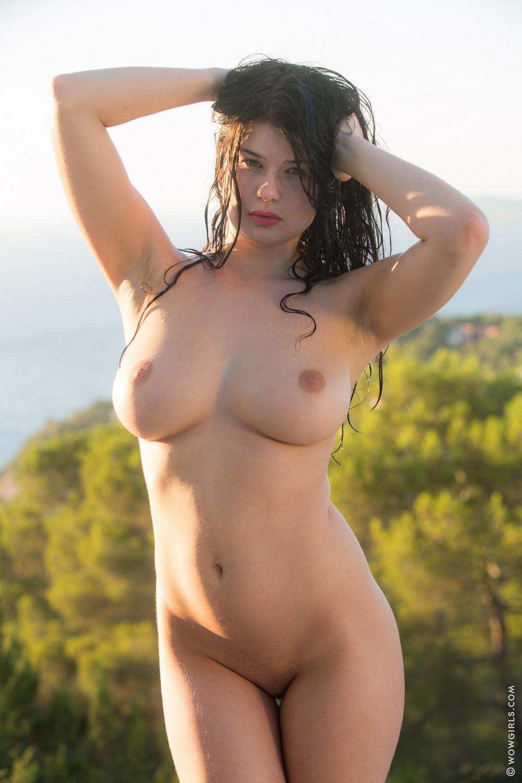 Lucy Li под душем