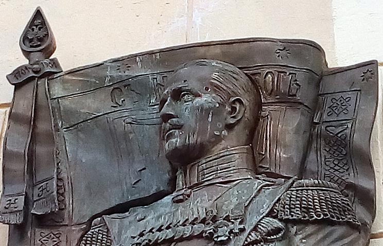 20161003_15-56-Петербургское отделение РВИО не собирается реставрировать доску Маннергейму