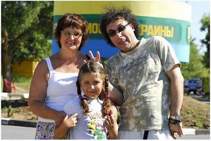 19. Армен Григорян с дочуркой Анечкой и любимой тещей