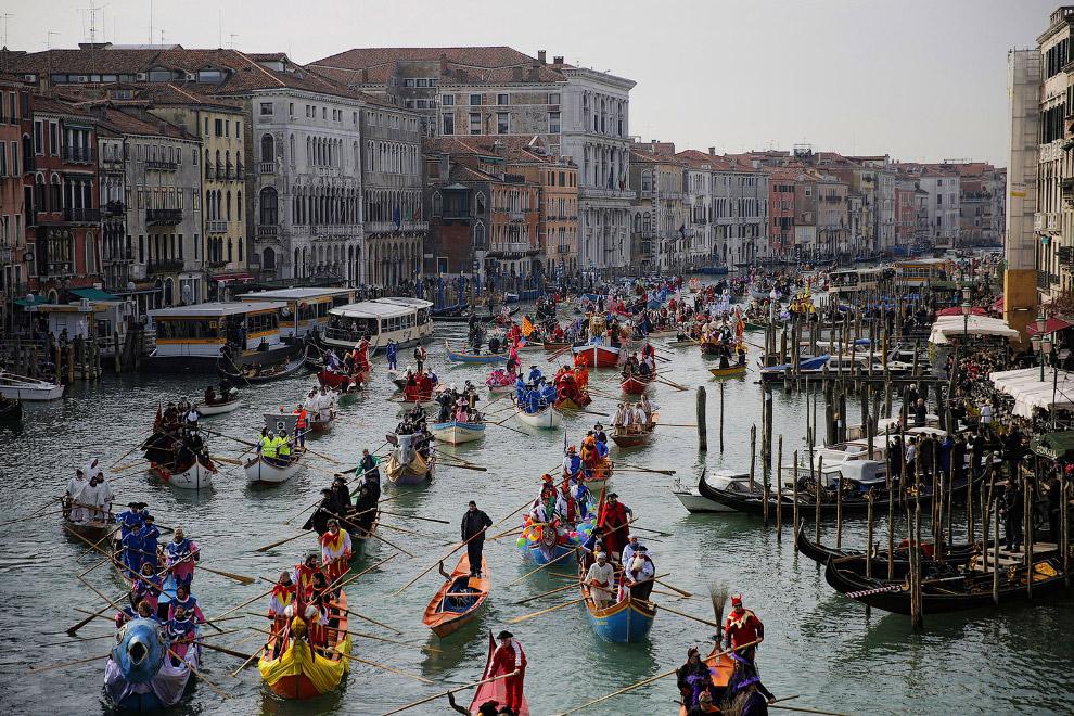 5. Первое упоминание карнавала в Венеции относится к 1094 году, хотя до XIII—XIV веков масок на