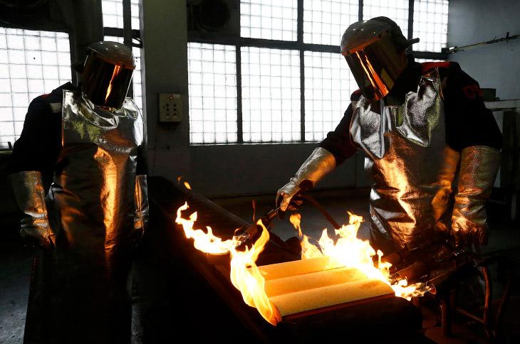 Грамм золота: экскурсия на завод цветных металлов (12 фото)