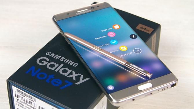 Самсунг Galaxy S8 без клавиш выглядит шикарно