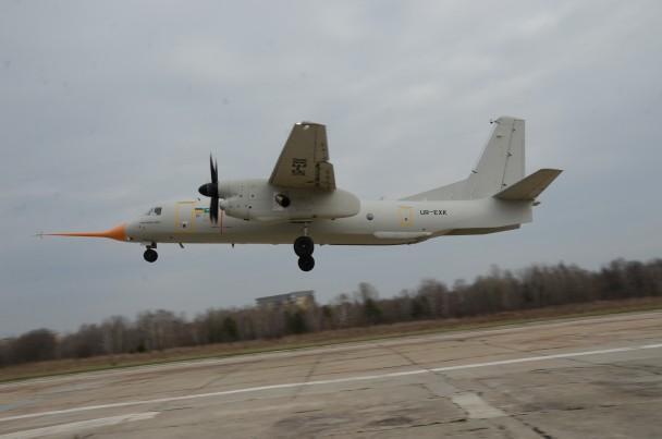 Новый украинский самолет совершил 1-ый полет