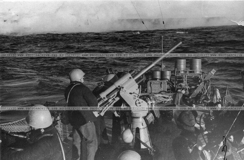Катера идут на выполнение боевого задания. Сентябрь 1942 г.