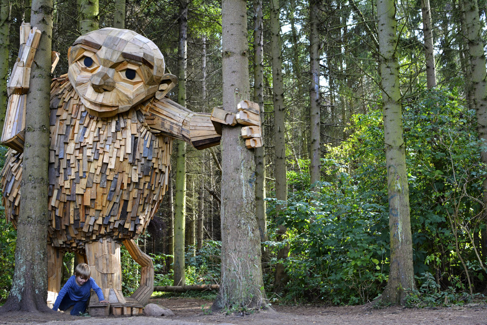 Friendly Giants Built From Recycled Wood Hidden in the Forests of Copenhagen (8 pics)