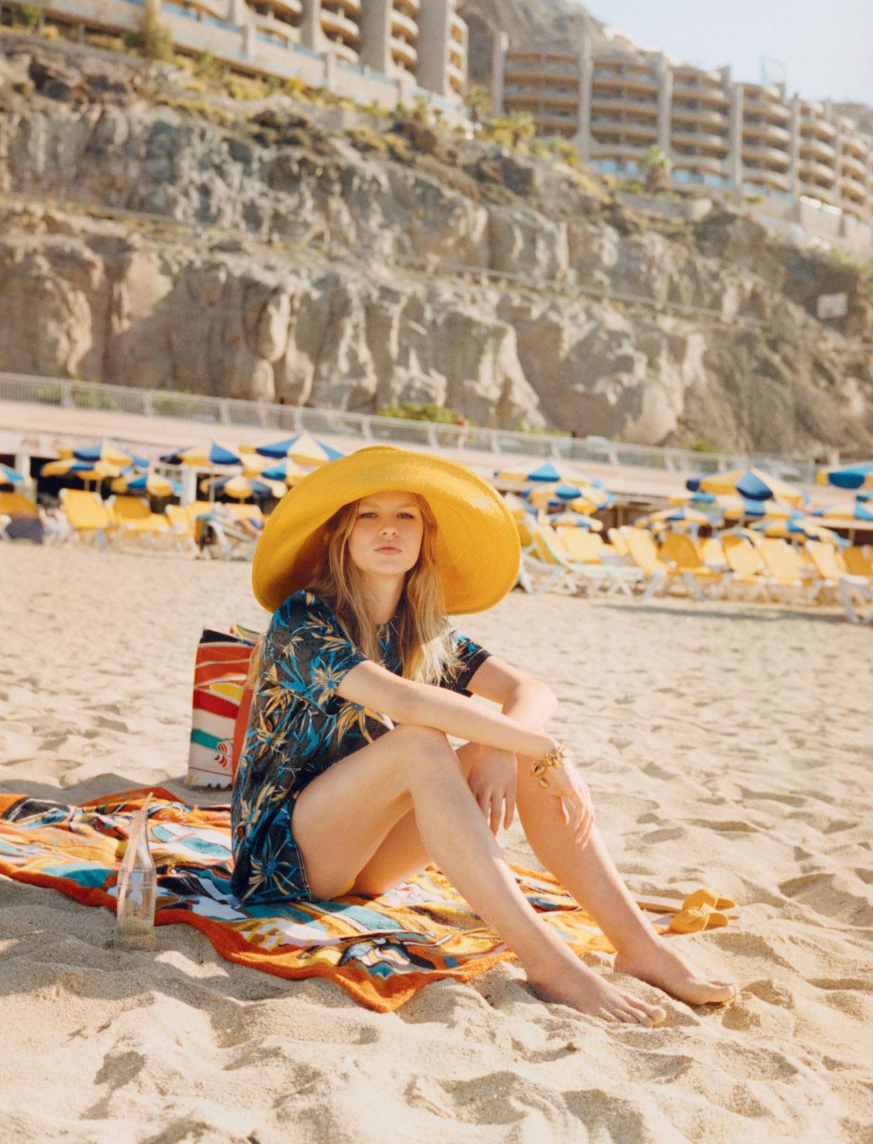 Один день на море с Анной Эверс / Anna Ewers by Venetia Scott - W Magazine may 2017
