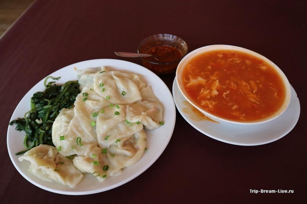 Наш... эээ... обед в Tibetan Chef's Restaurant