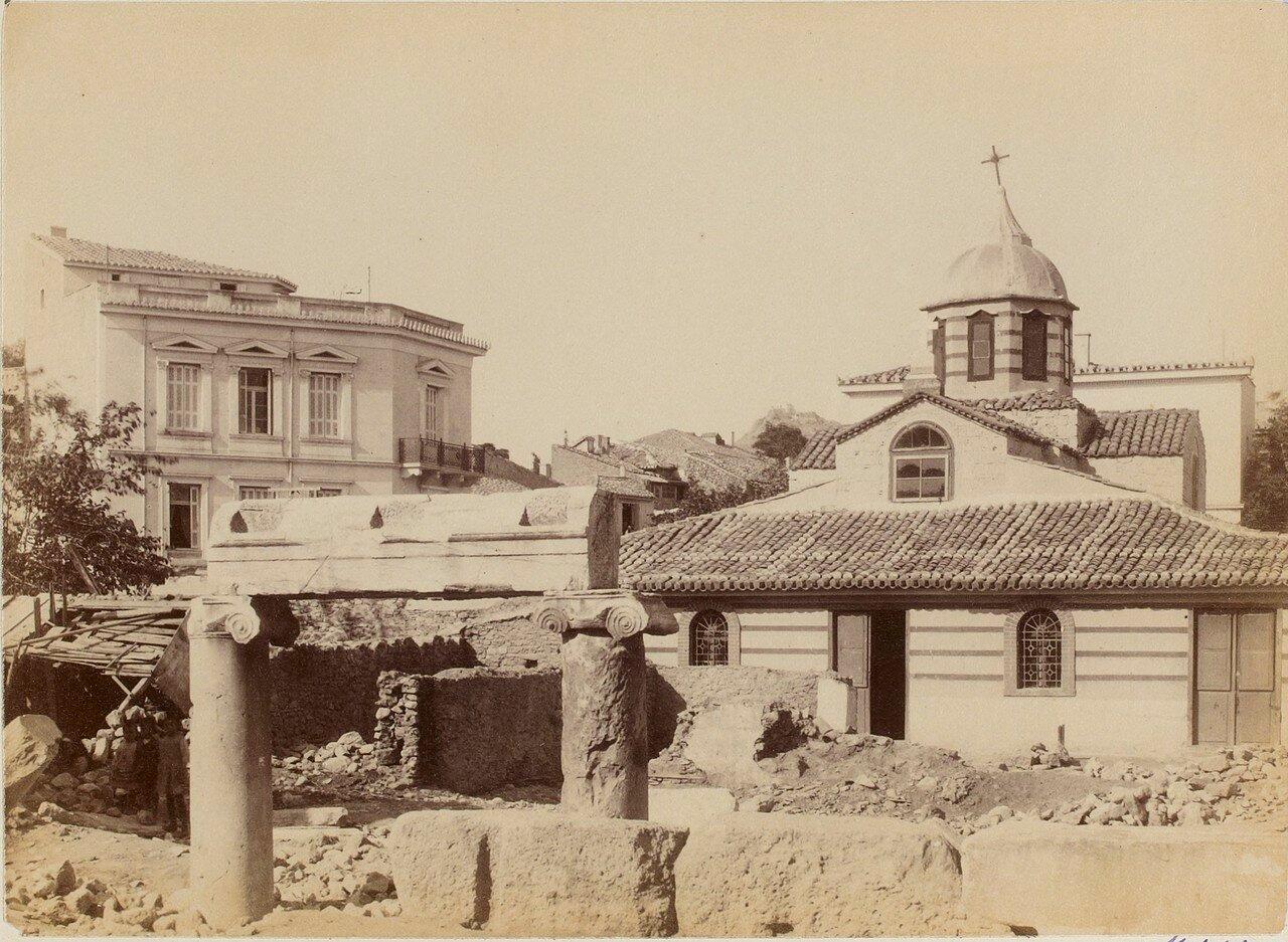 46. Афины. Церковь Святой Екатерины и храм Цереры