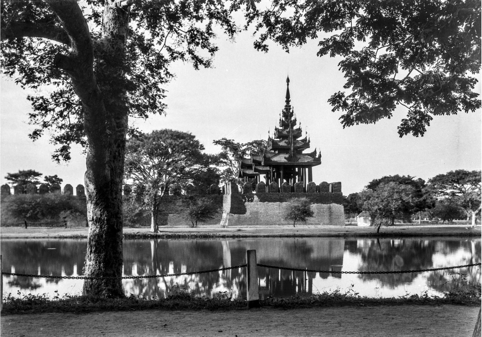 857. Мандалай. Королевский дворец. Пагода