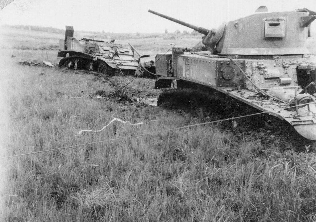 Танки М3л из 3-й роты 416-го тб 192-й тб подбитые 15 августа 1942 г. у д. Сметская Калужской обл.