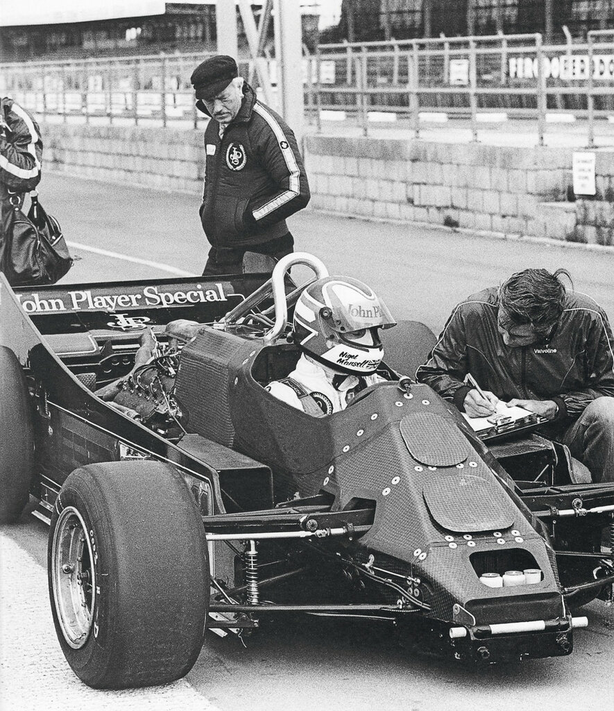 Mansell con la 88B....Silverstone.jpg
