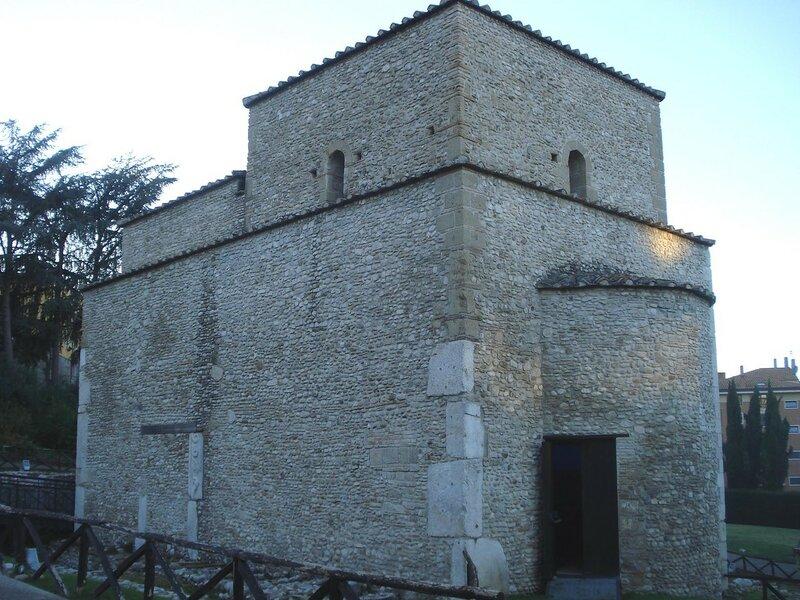 018-церковь Сант-Иларио.jpg
