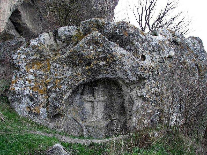 Средневековый пещерный монастырь Качи-Кальон