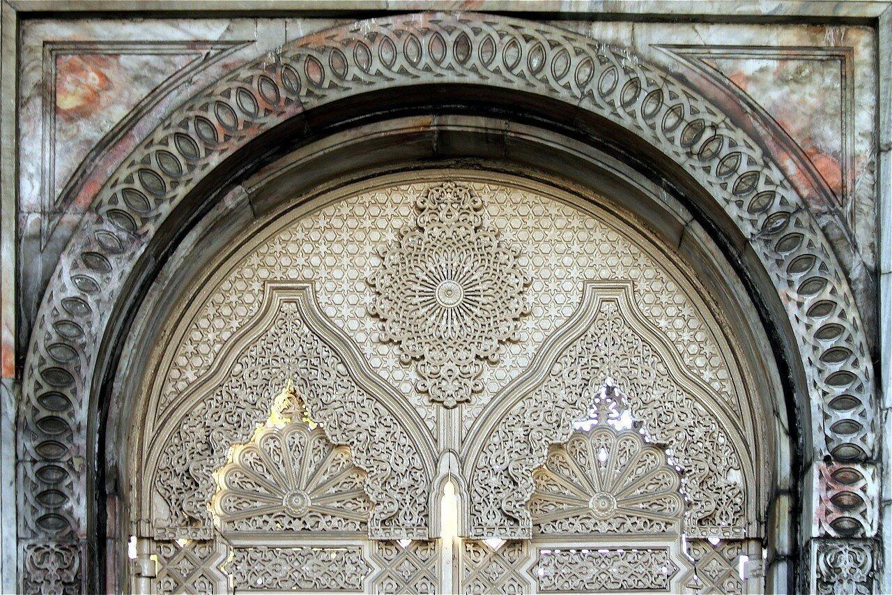 Стамбул. Дворец Чираган, западные ворота (Çırağan Sarayı kapısı)