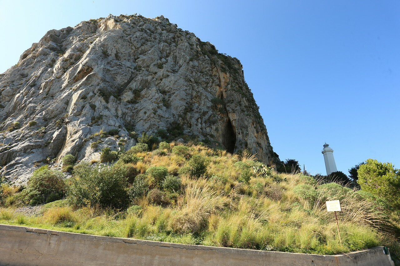 Cefalu lighthouse (Faro di Cefalu)