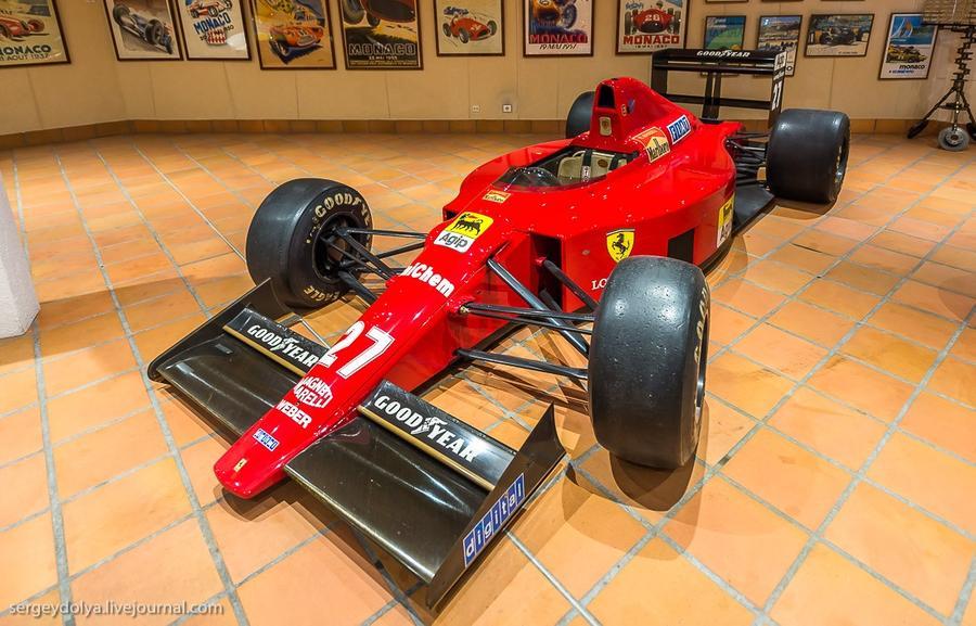 51. Ferrari очень популярны на улицах Монако, но у князя в коллекции нашлась лишь одна — Ferrari F1