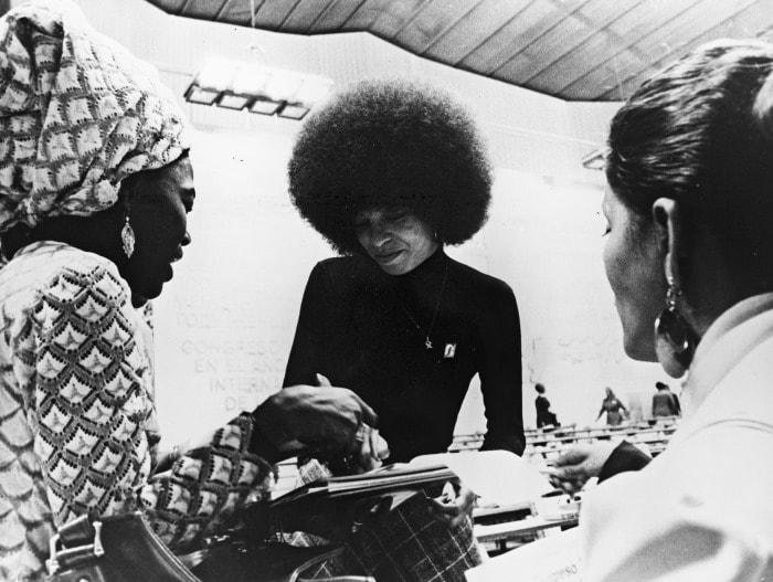 В 1960-х гг. борьба темнокожих за свободу в США набирала обороты. В 1968 г. был убит лидер движения