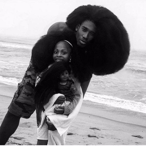 Бенни Харлем и его 6-летняя дочь Жаксин, чьи прически свели с ума весь мир