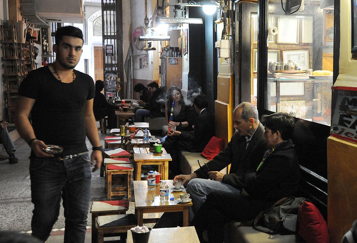 67. Чай-кофе. Мне всегда трудно выбрать между ними в Турции. Берем и то и другое