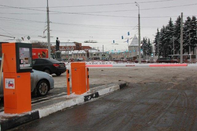 ВСмольном утвердили наивысшую стоимость парковки вцентре Петербурга
