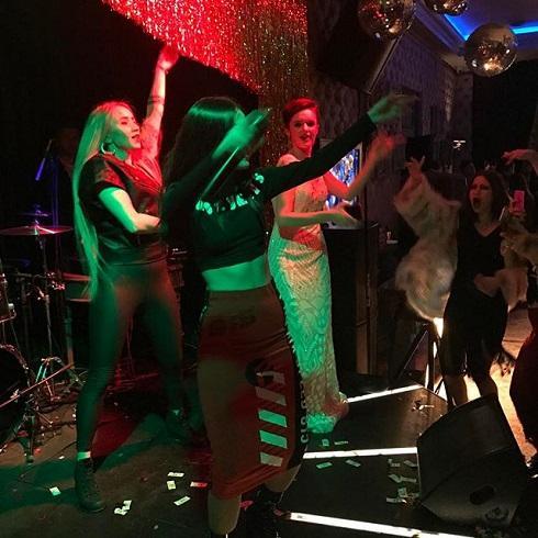 Эстрадная певица Слава подарила дочери насовершеннолетие шикарную вечеринку